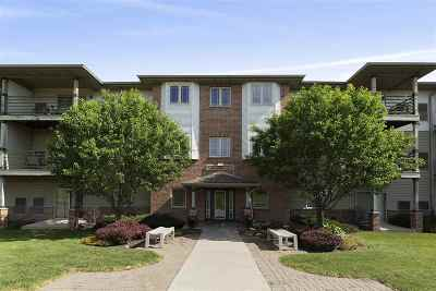 Verona Condo/Townhouse For Sale: 102 Prairie Heights Dr #304