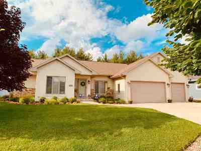 Deforest Single Family Home For Sale: 4630 Autumn Blaze Tr