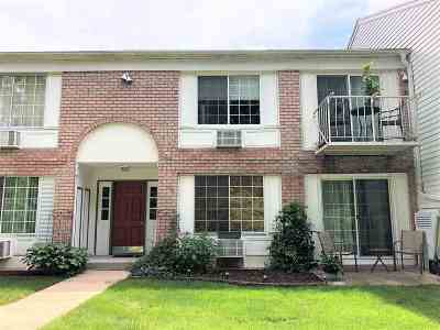 Middleton Condo/Townhouse For Sale: 2142 Allen Blvd #1