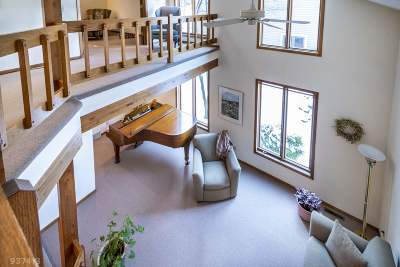 Middleton Single Family Home For Sale: 6309 Stonefield Rd