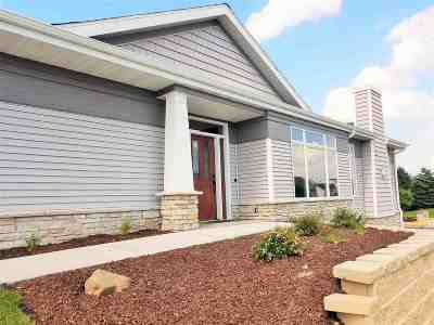 Waunakee Condo/Townhouse For Sale: 414 Grandview Dr