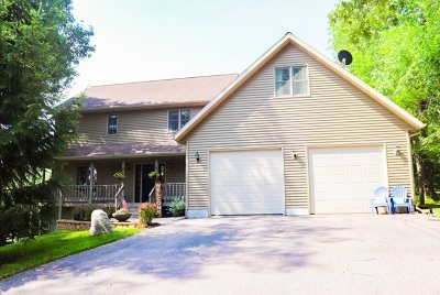 Wisconsin Dells Single Family Home For Sale: S903 Christmas Mountain Dr
