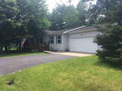 Wisconsin Dells Single Family Home For Sale: 106 Arbor Dr