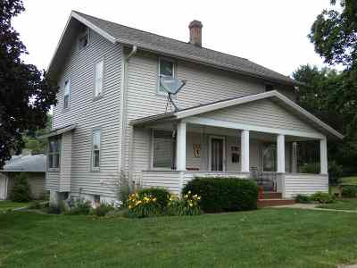 Platteville Single Family Home For Sale: 170 W Lewis St