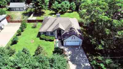 Baraboo WI Single Family Home For Sale: $245,000