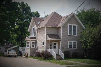Janesville Multi Family Home For Sale: 447 N Pearl St