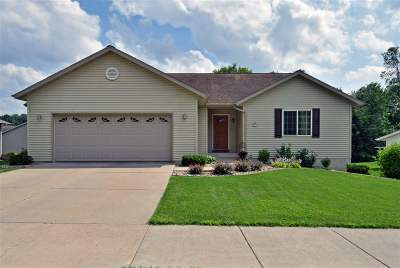 Sauk County Single Family Home For Sale: 1422 Ridgeview Dr
