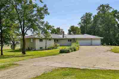 Dane Single Family Home For Sale: 7395 Clemens Rd