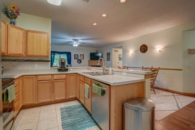 Oregon Condo/Townhouse For Sale: 229 Alpine Meadows Cir