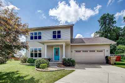Dane County Single Family Home For Sale: 10 Banner Cir