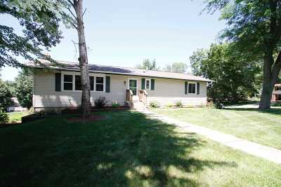Black Earth Single Family Home For Sale: 1410 Hillside Rd