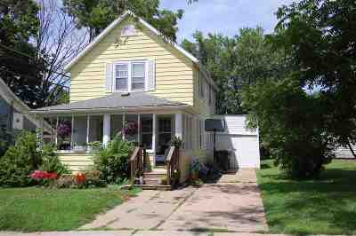 Richland Center Single Family Home For Sale: 254 E 2nd St