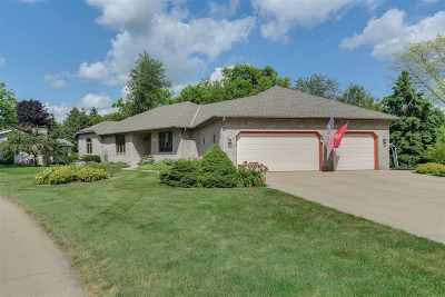 Sun Prairie Single Family Home For Sale: 681 Pilgrim Tr