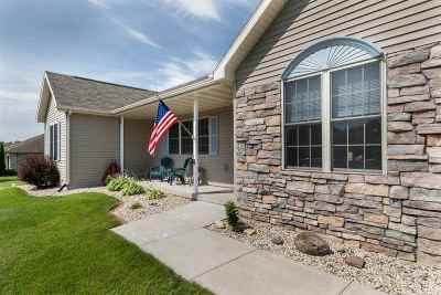 Janesville Single Family Home For Sale: 3805 N Harvest View Dr
