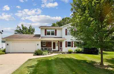 Verona Single Family Home For Sale: 559 Harvest Ln