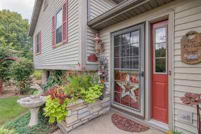 Deforest Single Family Home For Sale: 516 Chippewa Ct
