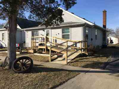 Richland Center Single Family Home For Sale: 420 W 3rd St