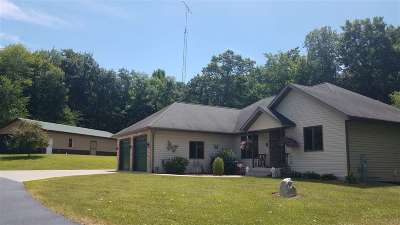 Baraboo WI Single Family Home For Sale: $489,000