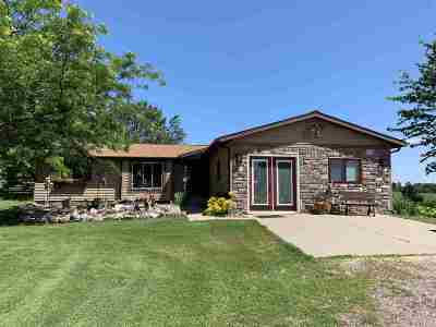 Baraboo WI Single Family Home For Sale: $335,000