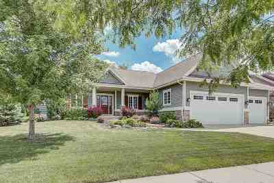 Waunakee Single Family Home For Sale: 2104 Kilkenny Tr