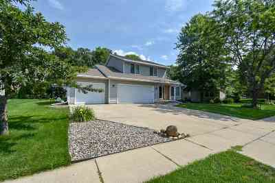 Dane County Single Family Home For Sale: 1908 Buckingham Rd