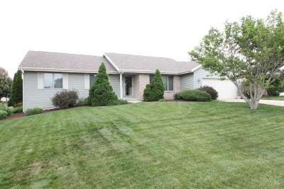 Rock County Single Family Home For Sale: 3911 Dorchester Dr