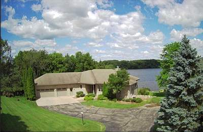 Columbia County Single Family Home For Sale: W14168 Selwood Dr