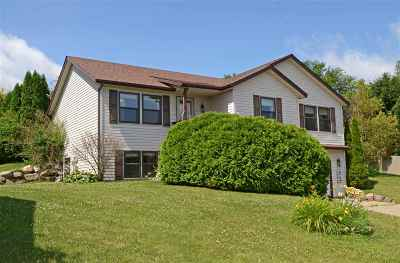 Baraboo Single Family Home For Sale: 311 Spruce Ct