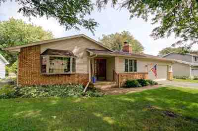 Waunakee Single Family Home For Sale: 113 Canterbury Ct