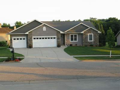 Rock County Single Family Home For Sale: 2740 Fawn Ct