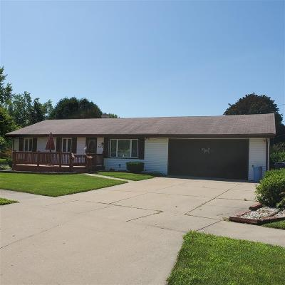 Janesville Single Family Home For Sale: 2314 Wesley Ave