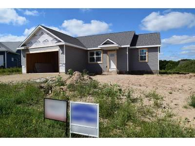 Rock County Single Family Home For Sale: 405 Bretts Way
