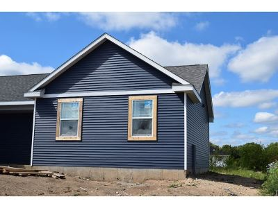 Rock County Single Family Home For Sale: 409 Bretts Way