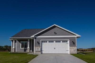 Janesville Single Family Home For Sale: 3745 Wildflower Ln