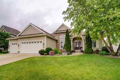 Waunakee Single Family Home For Sale: 1716 Ashford Ln
