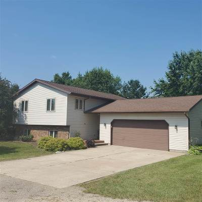 Janesville Single Family Home For Sale: 3932 W Cemetery Rd