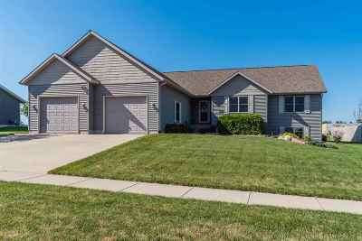 Baraboo WI Single Family Home For Sale: $315,000
