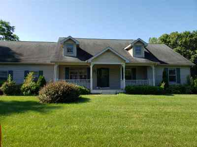 Baraboo WI Single Family Home For Sale: $225,000