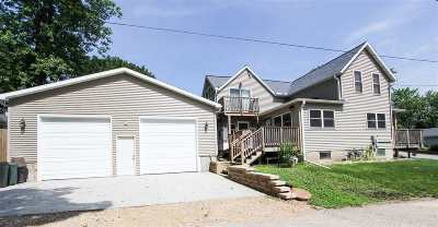 Merrimac WI Single Family Home For Sale: $275,000