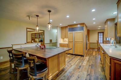 Janesville Single Family Home For Sale: 3600 N Woodbury Ln