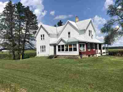 Wisconsin Dells Single Family Home For Sale: 3874 County Road P