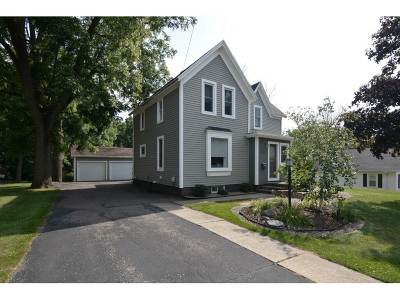 Baraboo WI Single Family Home For Sale: $249,900