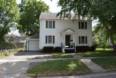 Baraboo WI Single Family Home For Sale: $169,900