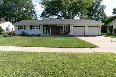 Janesville Single Family Home For Sale: 2420 Lombard Ave