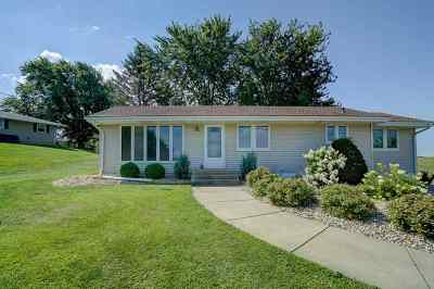 Waunakee WI Single Family Home For Sale: $259,900