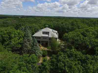Janesville Single Family Home For Sale: 5063 N Grand Videre Dr