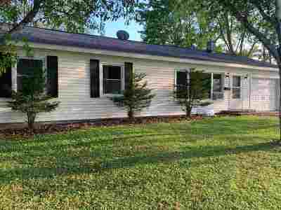 Baraboo WI Single Family Home For Sale: $119,900