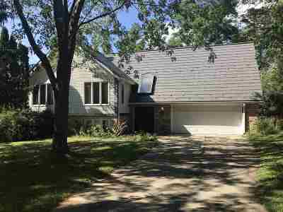 Columbia County Single Family Home For Sale: 803 Silver Lake Dr