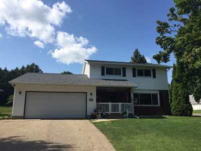 Waunakee Single Family Home For Sale: 121 Simon Crestway