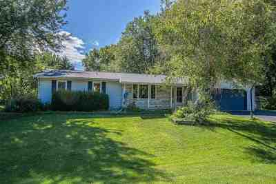 Oregon WI Single Family Home For Sale: $245,000